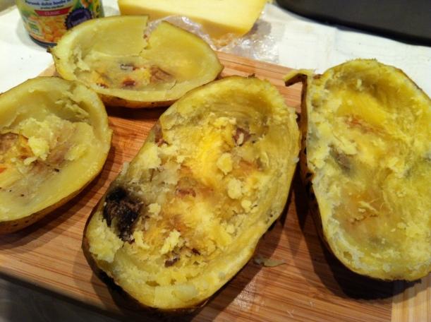 cartofi proaspat scosi din cuptor
